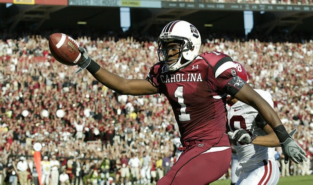 South Carolina's Alshon Jeffery celebrates a touchdown over Alabama during second-quarter action in Columbia, S.C. on Saturday, Oct. 9, 2010. (Travis Bell/Sideline Carolina)