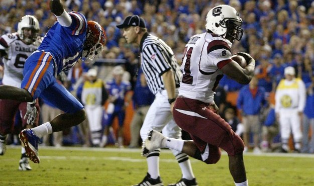 South Carolina's Marcus Lattimore gets into the endzone for a touchdown during first-quarter action in Gainesville, Fla. on Saturday, Nov. 13, 2010. (Travis Bell/Sideline Carolina)